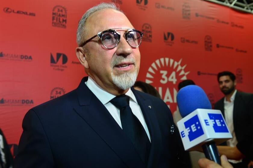 El productor Emilio Estefan habla durante entrevista. EFE/Archivo