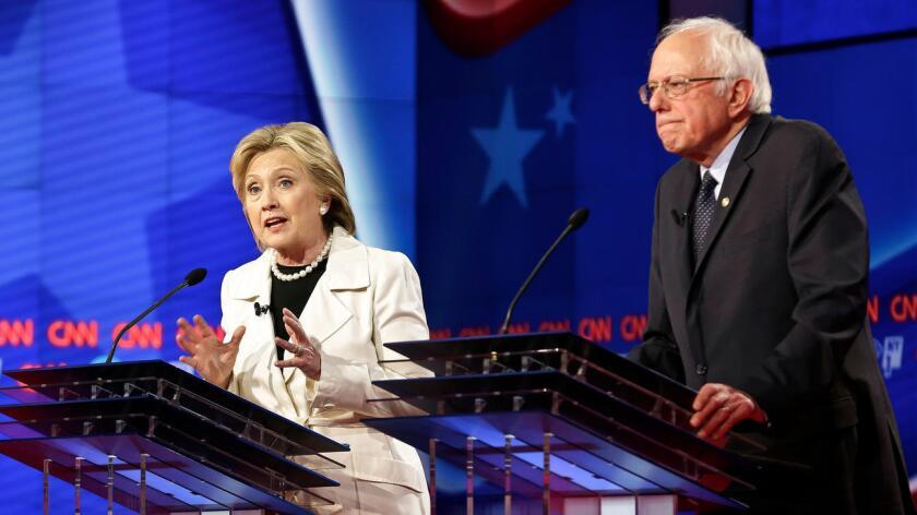 A pesar de que Sanders se ha convertido en un extraordinario rival, consideramos que Hillary Clinton entiende mejor los temas de política doméstica e internacional.