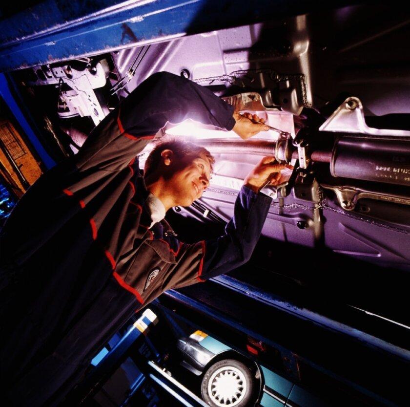 Entre los datos sobresalientes, el estudio encontró que al cliente masculino no se le negó la cotización de la reparación, sin embargo en varios casos a la mujer le negaron la cotización y le pidieron que llevara el auto al mecánico para revisarlo personalmente.