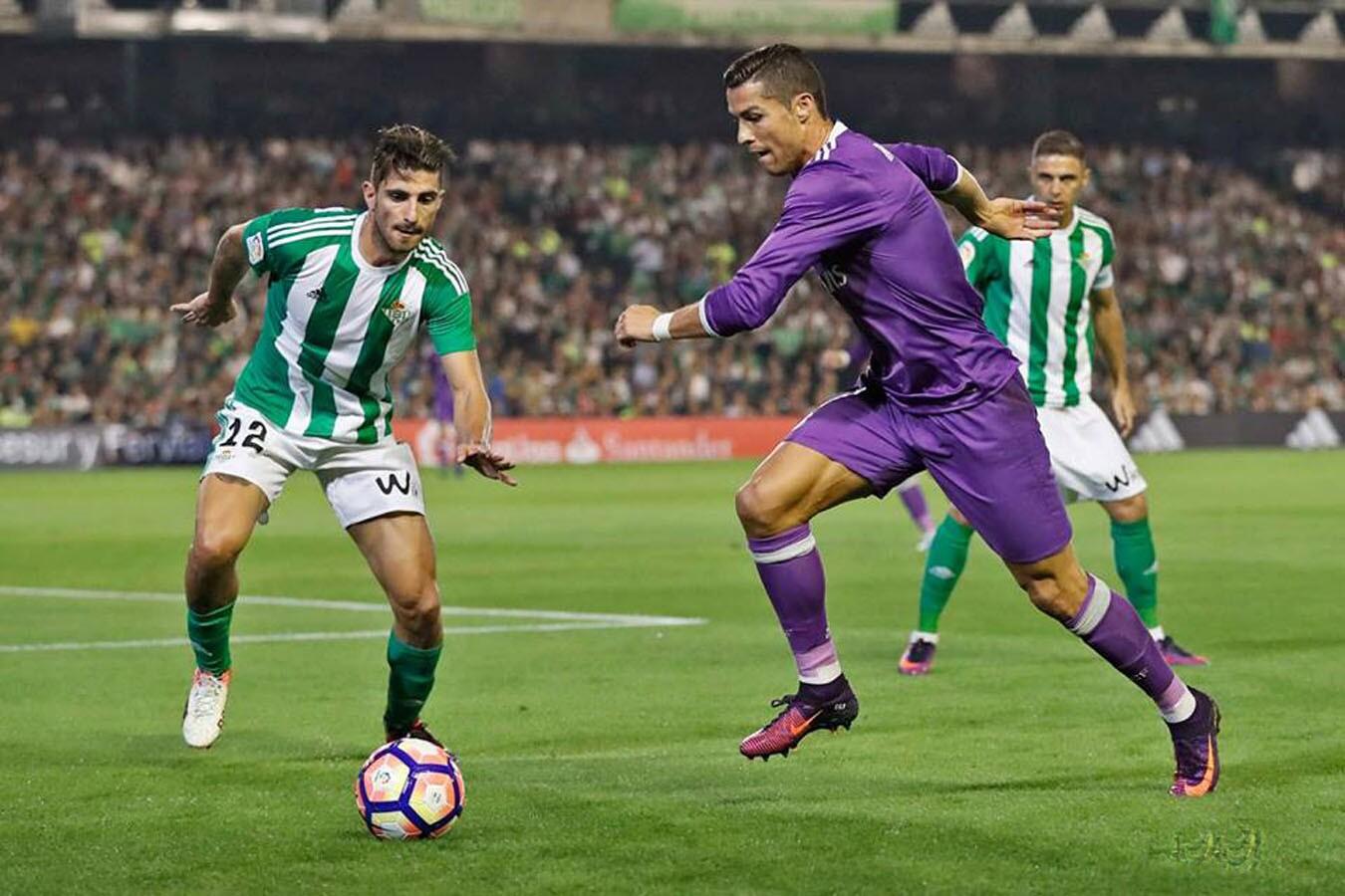 El Real Madrid fulminó 6-1 en cancha del Betis y lidera (18 puntos) junto al Atlético, al jugarse la fecha 8 de la Liga española.
