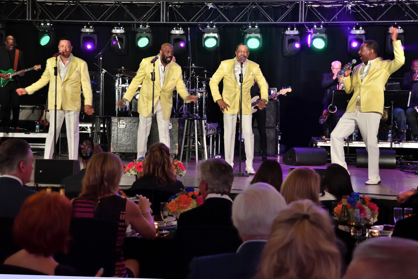 The Temptations in concert