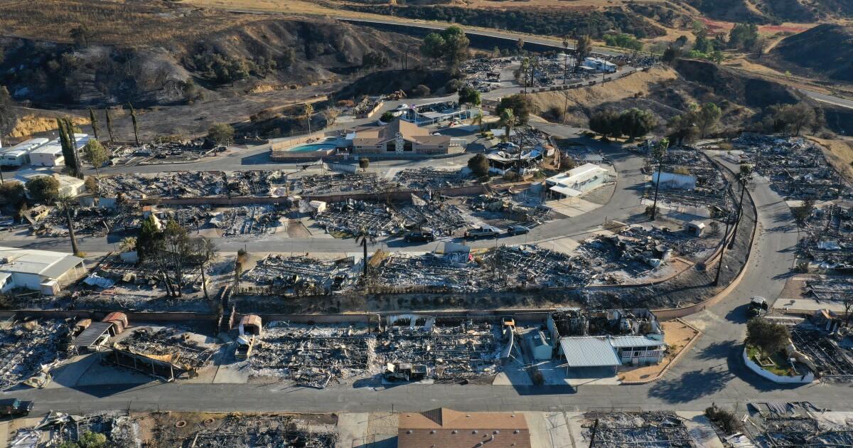 カリフォルニアの禁止や保険会社からの落下率を他の200,000火災や住宅