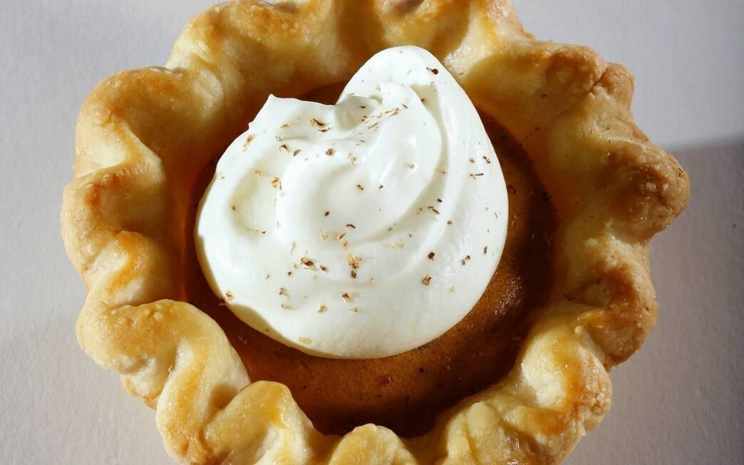 Mini pumpkin chiffon pies