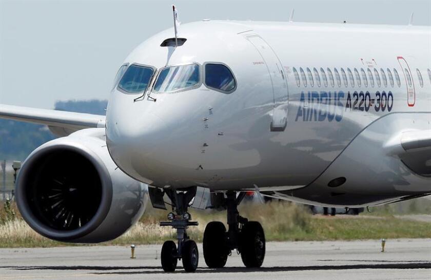 Vista del avión Airbus A220-300. EFE/Archivo
