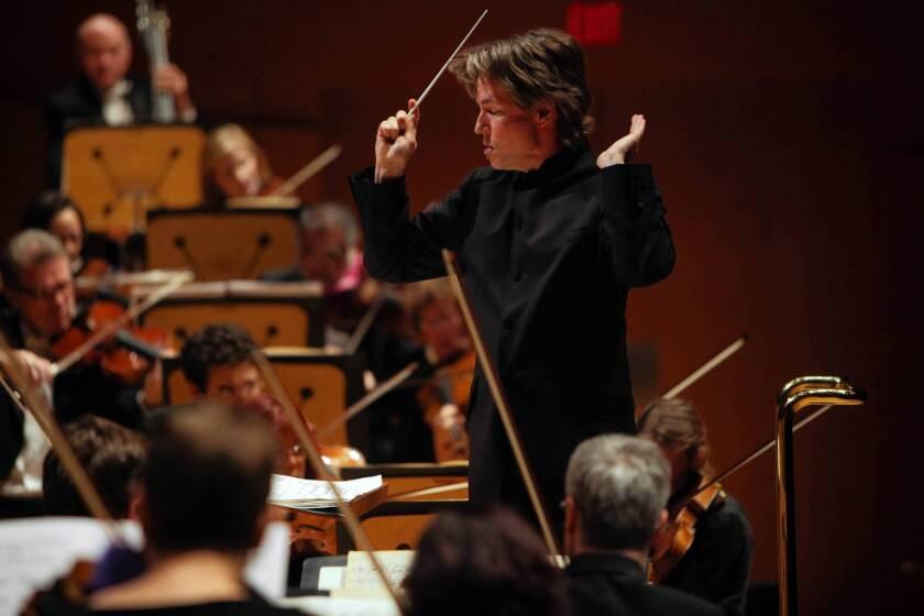 Review: Esa-Pekka Salonen and an electrifying L.A. Philharmonic