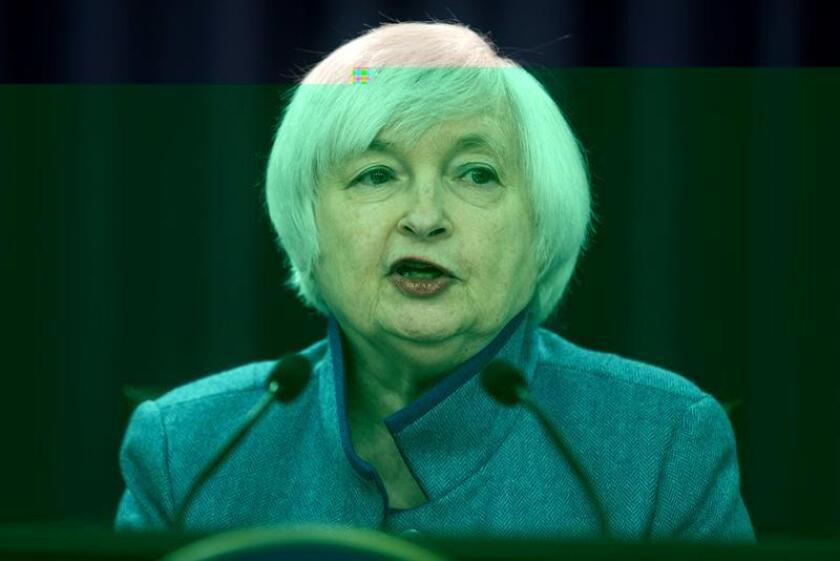 La Reserva Federal (Fed) tuvo en cuenta el triunfo de Donald Trump en las elecciones presidenciales de noviembre, que fue bien recibido por Wall Street, al decidir subir los tipos de interés en diciembre, como muestran las actas de su reunión publicadas hoy por el banco central. EFE/ARCHIVO