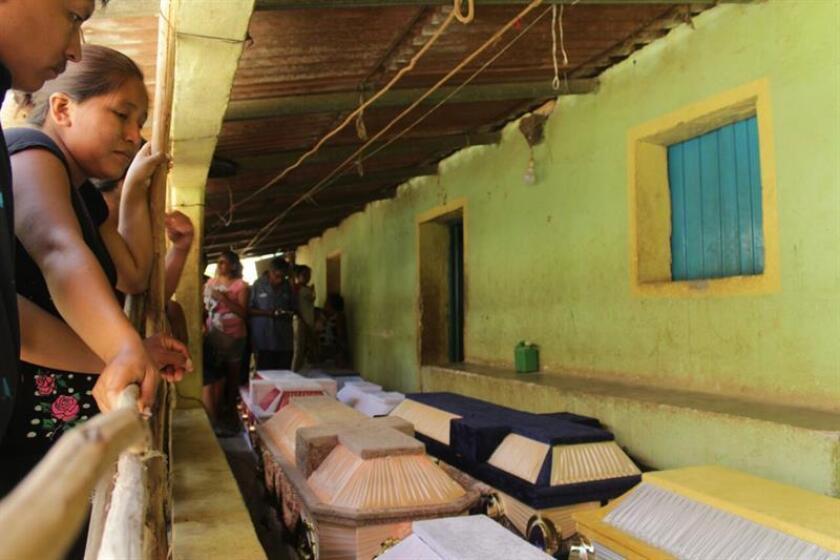 El número de víctimas fatales causadas por el desplome de un helicóptero de la Fuerza Aérea Mexicana en el sureño estado de Oaxaca, el pasado viernes, subió a 14, informó hoy la Fiscalía. EFE/ARCHIVO