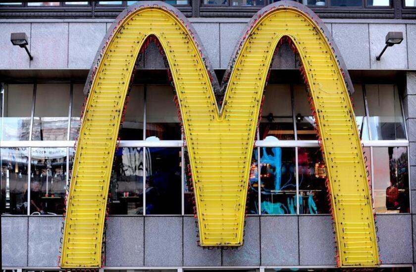 McDonald's voltea su famoso logotipo por un día para celebrar a las mujeres