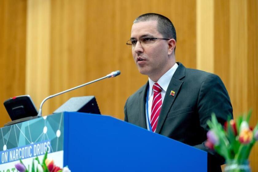 El ministro de Relaciones Exteriores de Venezuela, Jorge Arreaza, ofrece un discurso durante la Comisión de Narcóticos de la ONU celebrada este jueves en Viena (Austria). EFE