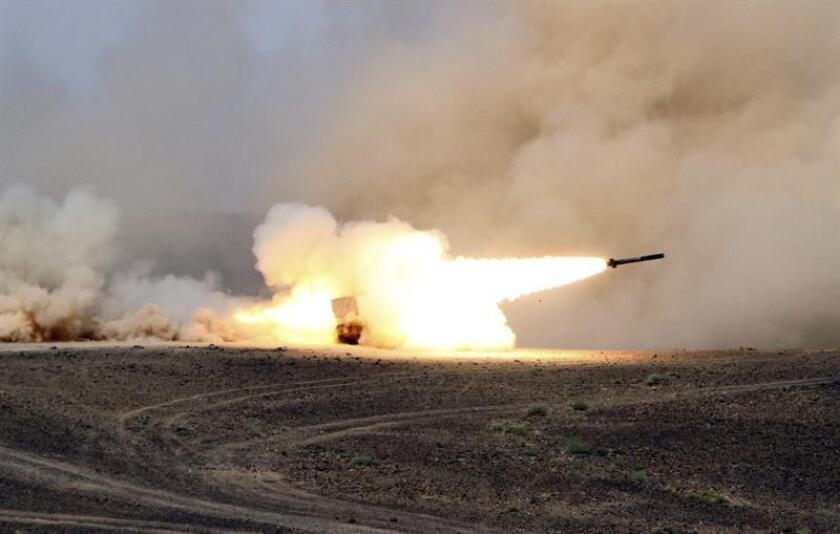 """La Casa Blanca responsabilizó hoy a la Guardia Revolucionaria de Irán de """"habilitar"""" el lanzamiento del misil balístico disparado este martes por los rebeldes hutíes, que fue interceptado cuando iba dirigido al Palacio Real al-Yamamah de Riad, residencia oficial del rey Salmán bin Abdelaziz. EFE/ARCHIVO"""