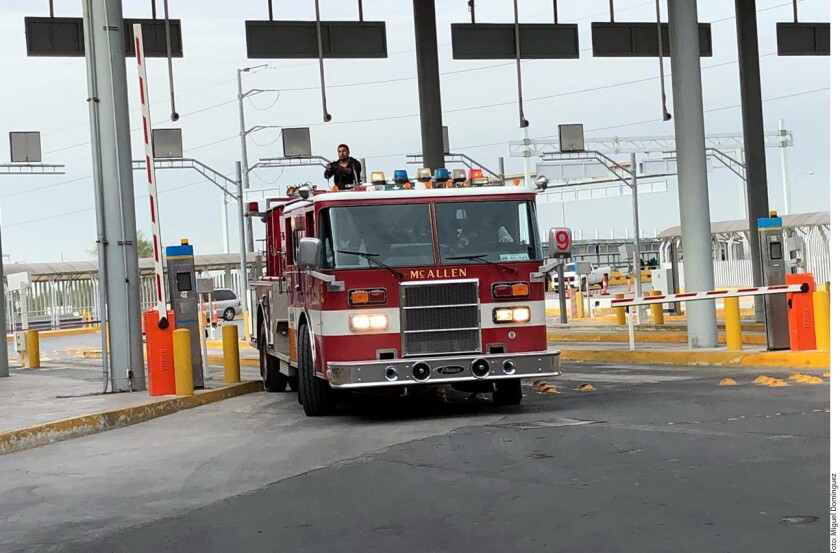 Autoridades de McAllen realizaron hoy la entrega de un camión de bomberos con capacidad de 4 mil 500 litros al Gobierno de Tamaulipas.