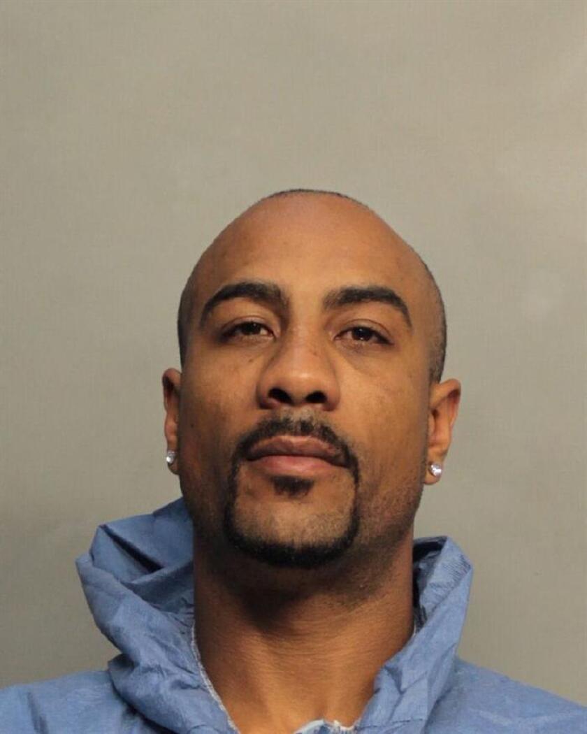Boxeador Sosa es arrestado en Miami acusado de matar a su padre