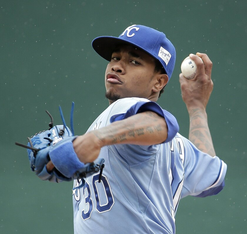 Kansas City Royals starting pitcher Yordano Ventura (30) throws during the first inning of a baseball game against the St. Louis Cardinals, Sunday, May 24, 2015, in Kansas City, Mo. (AP Photo/Charlie Riedel)