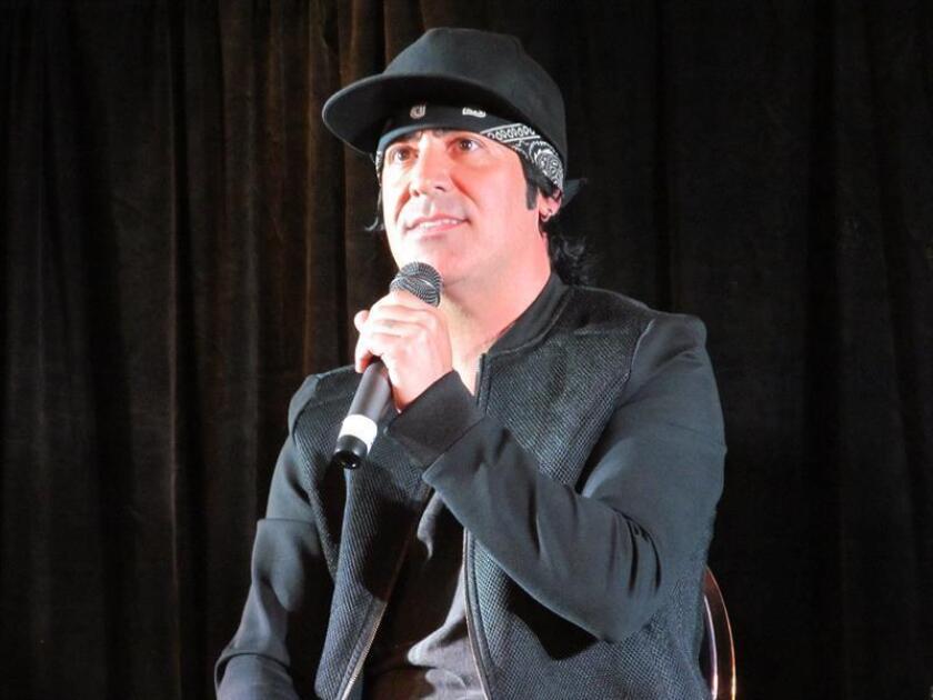 El batería del grupo mexicano de rock Maná, Alex González. EFE/Archivo