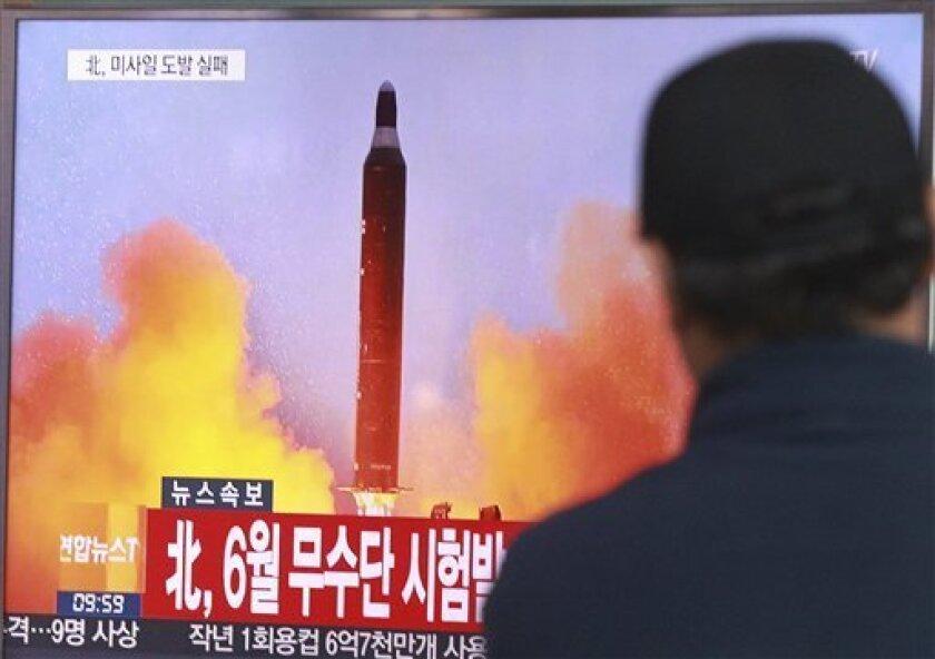 Las exportaciones de combustible para aviones de China a Corea del Norte se multiplicaron por cuatro en septiembre, a pesar de las sanciones de la ONU que restringen las ventas de este producto al régimen de Kim Jong-un.