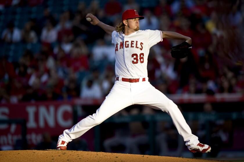 El lanzador de los Angels, Jered Weaver, espera regresar de su lesión a finales de Julio.