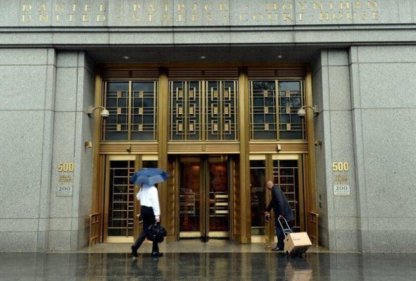 Apple completes closing statement in e-books antitrust trial