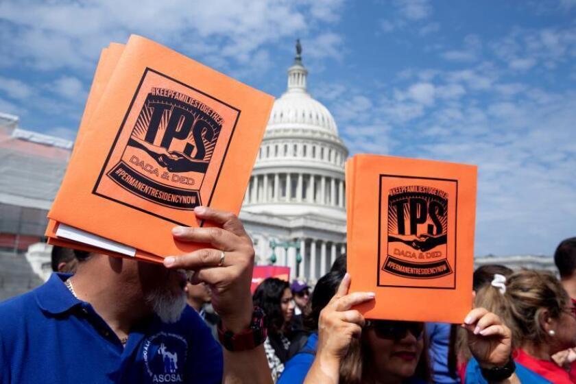 """""""?Aquí estamos, no nos vamos!"""", activistas claman por solución a DACA y TPS"""