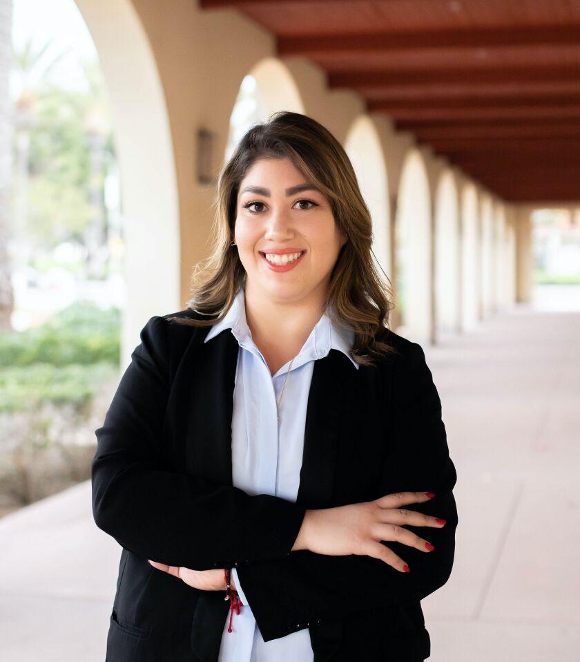 La candidata al consejo municipal Andrea Cárdenas.