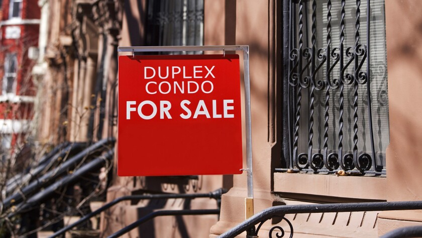 Condo for sale sign ** TCN OUT **