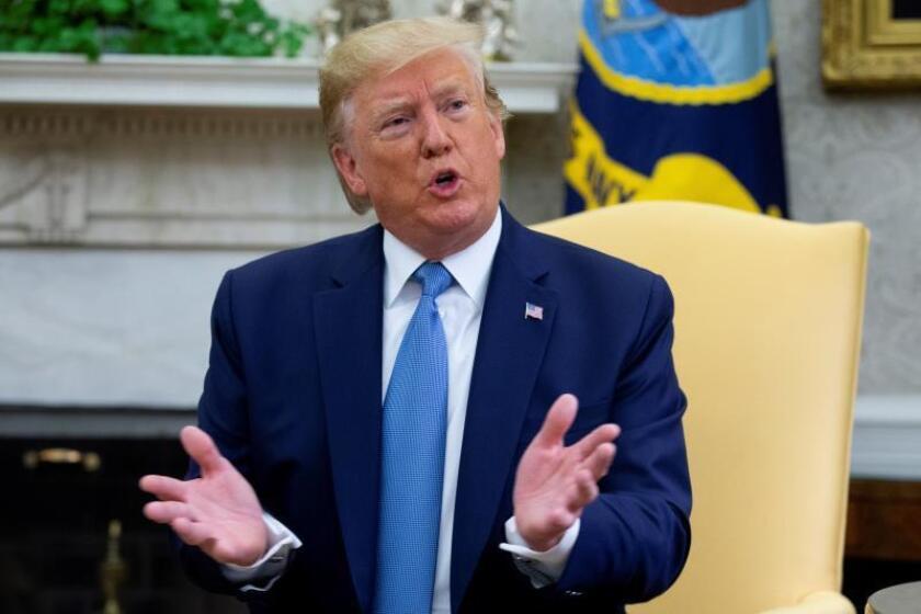 Trump anuncia un acuerdo para un presupuesto y para alzar techo de la deuda