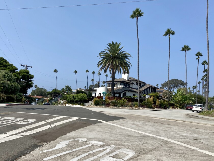 The La Jolla Traffic & Transportation Board discussed a possible traffic circle at this intersection.