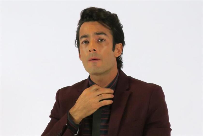 """Una nueva versión bilingüe de la popular telenovela colombiana """"Yo soy Betty, la fea"""" bajo el título de """"Betty en Nueva York"""" fue presentada hoy por Telemundo en Miami, Florida, donde tiene su sede este canal de televisión enfocado en el ámbito hispano. El actor mexicano Aaron Díaz, junto a su compatriota Erick Elías, protagonizan la nueva producción. EFE/ARCHIVO"""