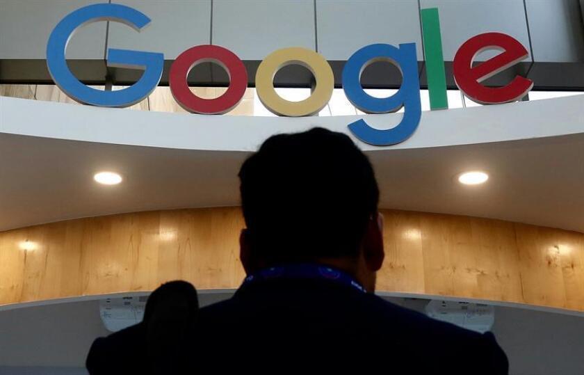 Logotipo de Google en la octava edición de la Cumbre Global de Emprendimiento que se celebra en Hyderabad (India). EFE/Archivo