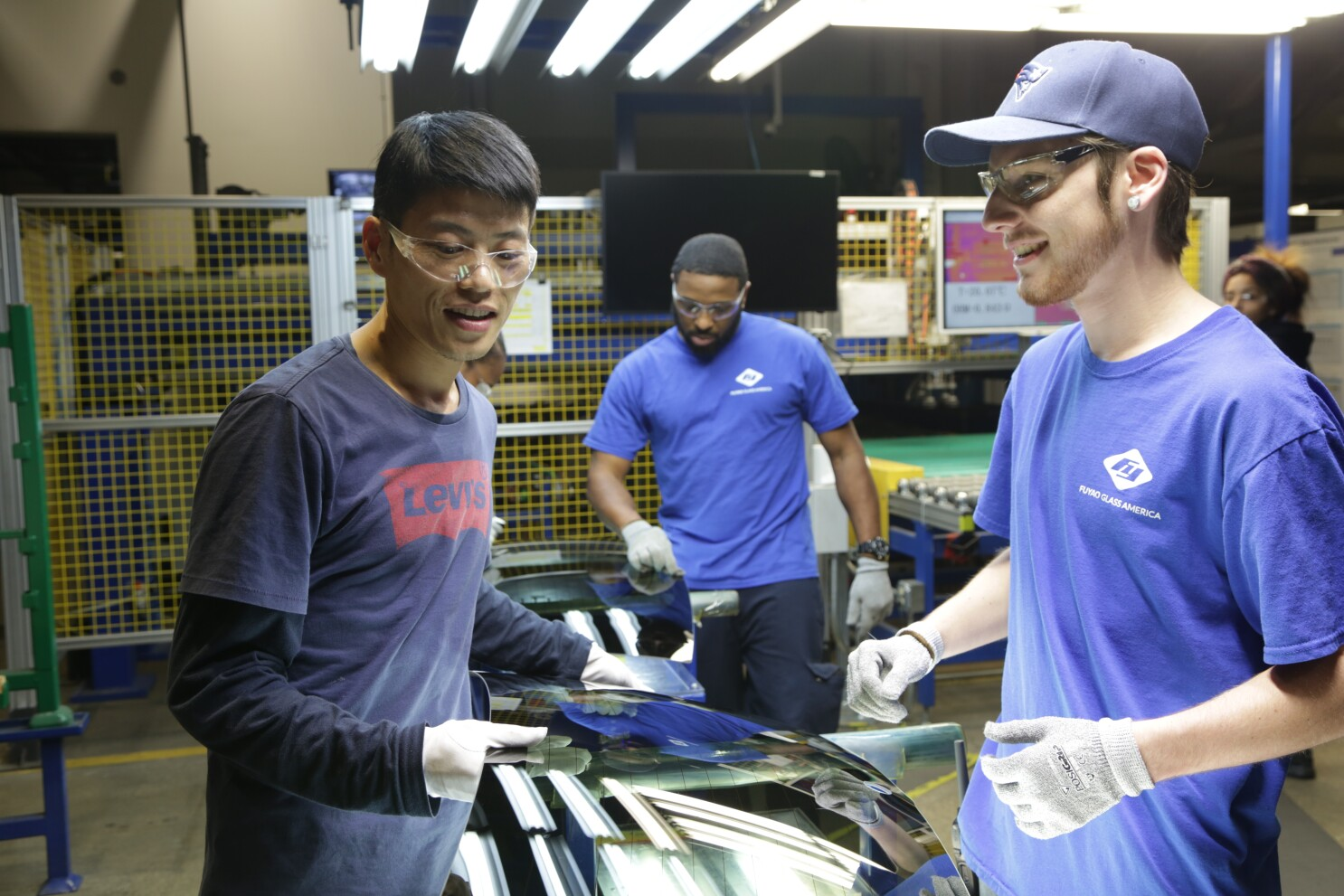 Review: Netflix's 'American Factory' documents Chinese engagement