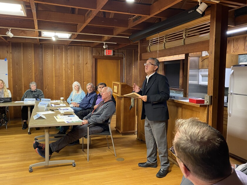 Joe LaCava states in no uncertain terms his opposition to the bridge at the La Jolla Shores Association meeting, Jan. 8.