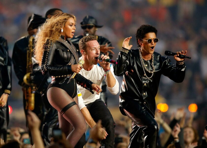 SANTA CLARA, CA - FEBRUARY 07:  Beyonce, Chris Martin of Coldplay and Bruno Mars perform during the Pepsi Super Bowl 50 Halftime Show at Levi's Stadium on February 7, 2016 in Santa Clara, California.  (Photo by Ezra Shaw/Getty Images) ** OUTS - ELSENT, FPG, CM - OUTS * NM, PH, VA if sourced by CT,