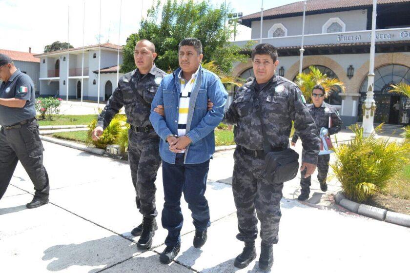 Daniel Pérez Rojas al momento de ser deportado a México por la justicia guatemalteca. Este líder de Los Zetas fue condenado a 47 años de cárcel por una matanza perpetrada en 2008 en el este de Guatemala.