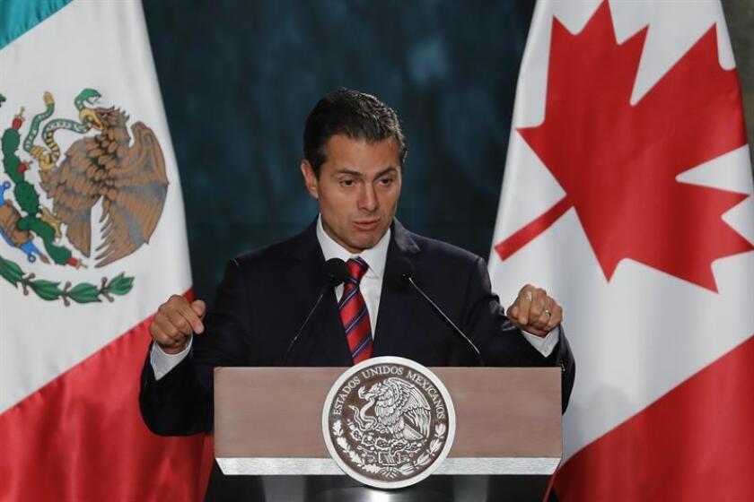 El presidente de México, Enrique Peña Nieto participa en un mensaje conjunto a medios de comunicación. EFE/Archivo