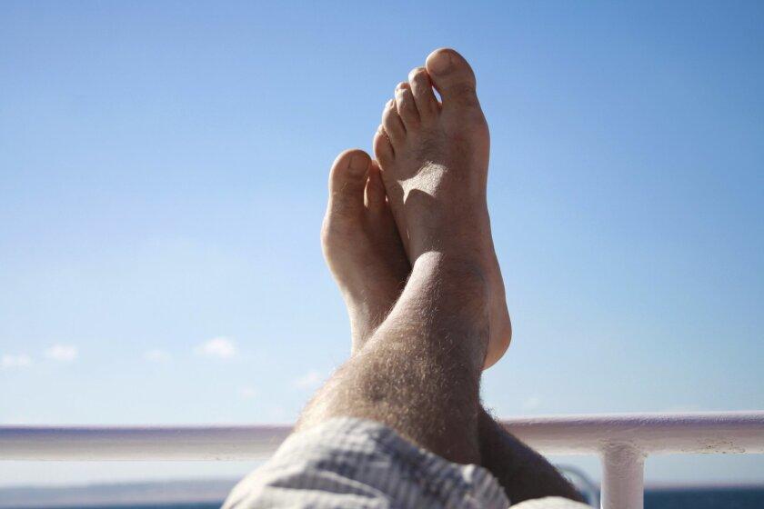 mans_feet