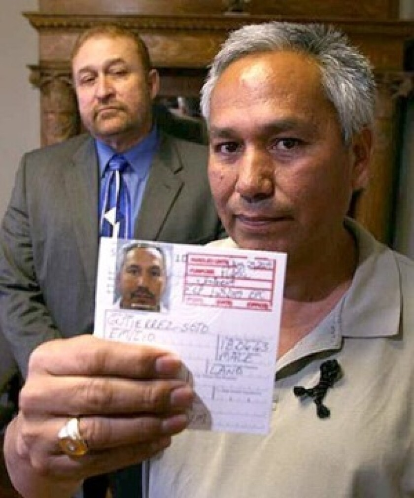 """""""I was prepared to stay in jail as long as it took, since I know I'm a dead man in Mexico,"""" says Mexican journalist Emilio Gutierrez Soto, right, with attorney Carlos Spector."""