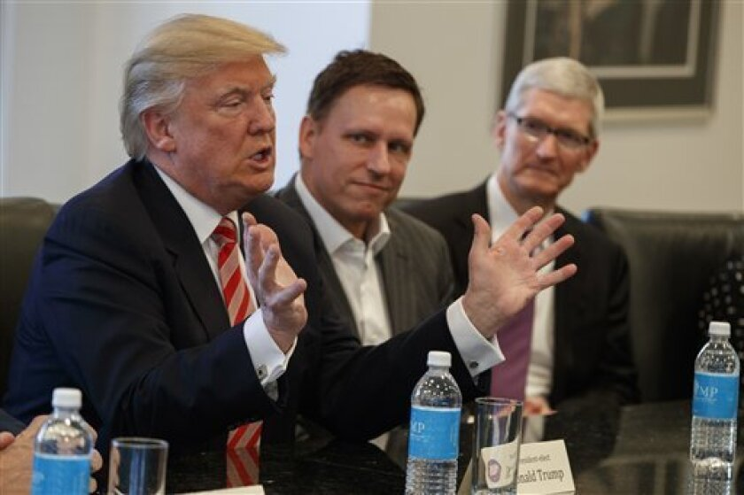 Sugieren a Trump abrir datos de empresas para transparentar negocios.