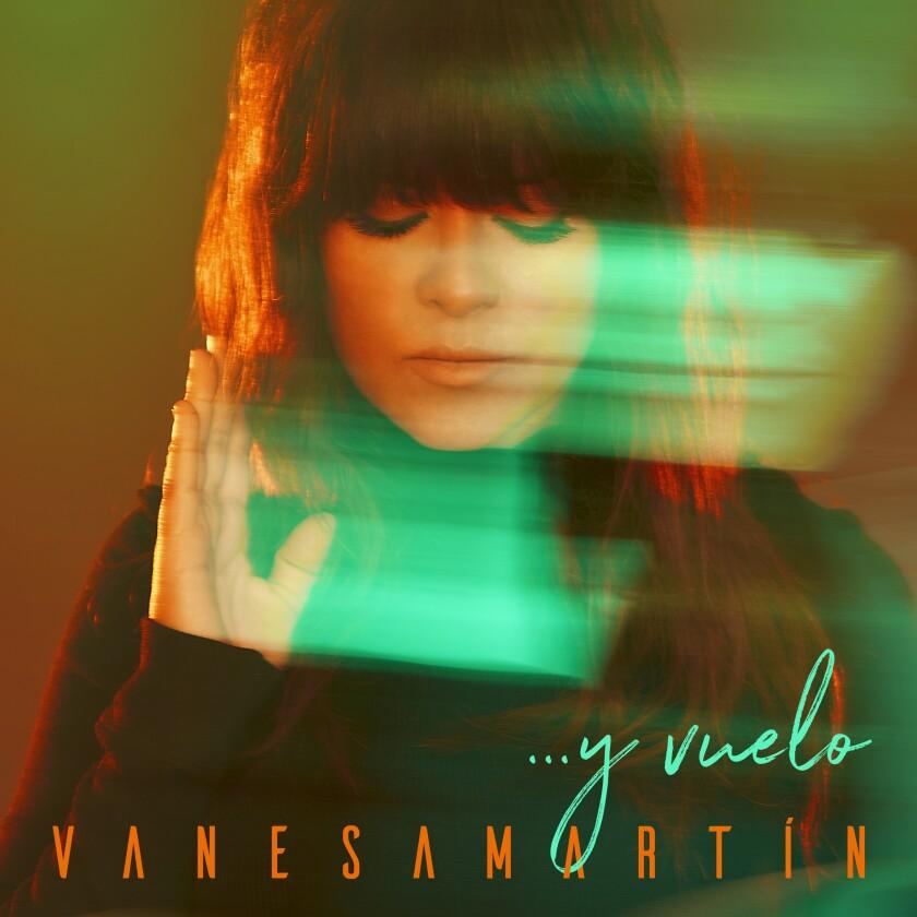 """Esta imagen proporcionada por Warner Music muestra la portada de """"...y vuelo"""""""