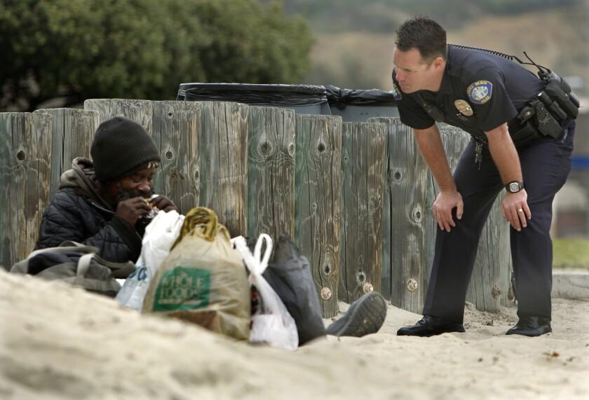 la-me-ln-laguna-beach-aclu-lawsuit-homeless-20-001