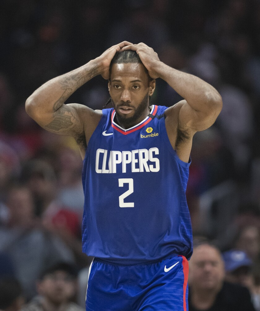Clippers forward Kawhi Leonard during Saturday's loss to Memphis.