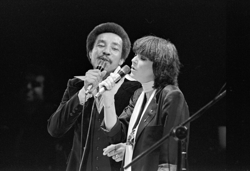 """Dec. 23 1978: Linda Ronstadt and Smokey Robinson performing """"Ooh Baby Baby,"""" at the Forum in Inglewo"""