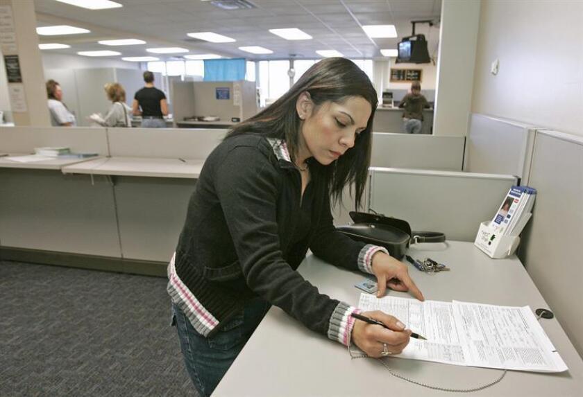 El Senado y la Asamblea del Estado de Nueva Jersey debatirán un proyecto de ley para crear licencias de conducir específicas para ciertos residentes que carecen de documentación, entre ellos los inmigrantes indocumentados, según anunció hoy el órgano legislativo en un comunicado. EFE/ARCHIVO