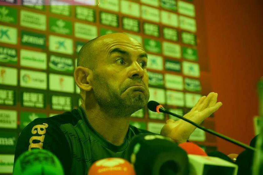 """El español Francisco """"Paco"""" Jémez firmó como entrenador del Cruz Azul del fútbol mexicano, equipo que dirigirá en la temporada 2017, confirmó hoy en un comunicado el equipo, uno de los más emblemáticos de la liga local. EFE/Archivo"""