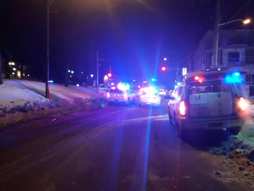 Tres personas abrieron fuego sobre al menos 40 personas dentro de la mezquita durante la jornada de rezo del domingo.