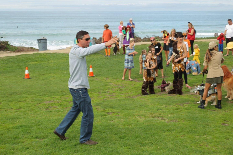 DM Foundation president Bob Gans kicks off the Halloween Dog Parade in Del Mar