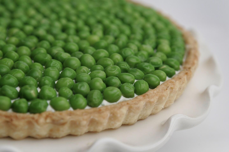 Recipe: English pea and goat cheese tart