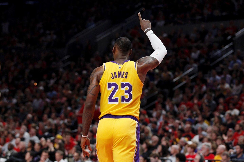 SDX24. PORTLAND (ESTADOS UNIDOS), 19/10/2018.- El jugador de los Lakers de Los ?ngeles LeBron James durante el partido de la NBA disputado contra los Trail Blazers de Portland en el Moda Center en Portland (Estados Unidos) el 18 de octubre de 2018. EFE/ Steve Dipaola PROHIBIDO SU USO A SHUTTERSTOCK ** Usable by HOY and SD Only **