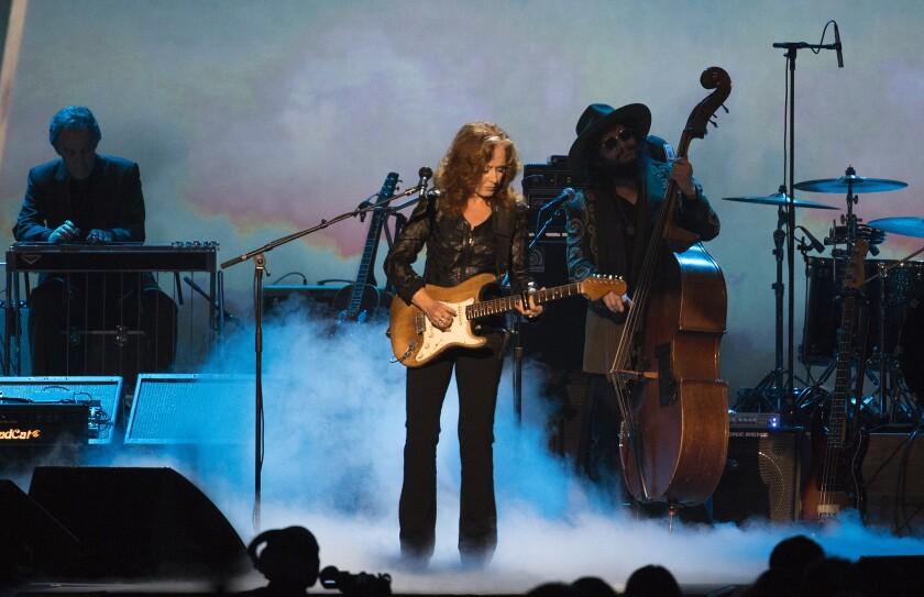 Bonnie Raitt at MusiCares Bob Dylan tribute