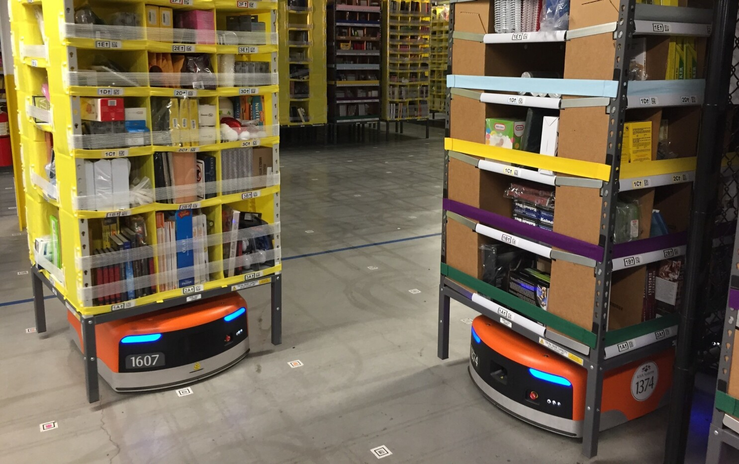 Robots are scaling warehouse shelves to get stuff to you faster - Los Angeles Times