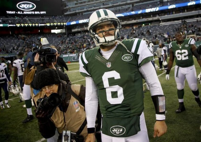 Tim Tebow snubbed again; Mark Sanchez to start for Jets on Sunday