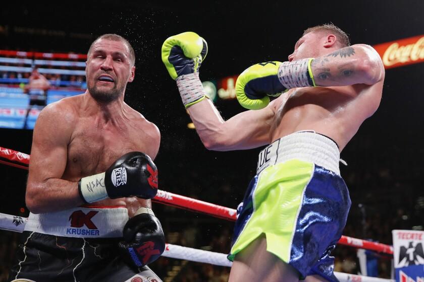 APphoto_Alvarez Kovalev Boxing